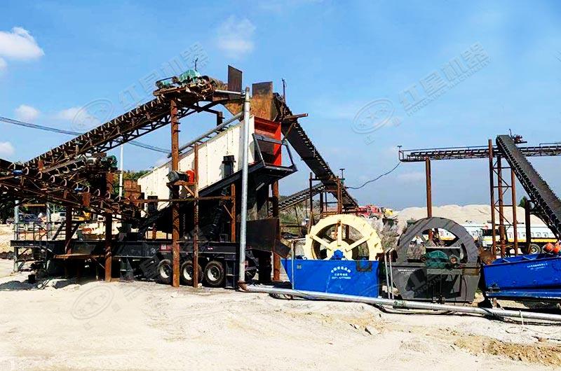 环保型河卵石制砂机加工现场